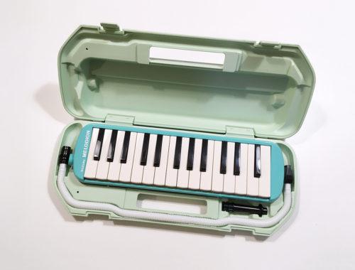 SUZUKI スズキ 鍵盤ハーモニカ メロディオン アルト 27鍵 MX-27 日本製 ハードケース 2歳児のおもちゃに買ってみた
