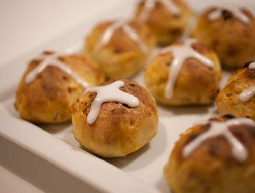 イースターの菓子パン、ホットクロスバンの作り方