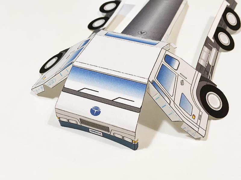 太平洋セメント ペーパークラフトシリーズ vol.1 アジテータ車 車体部分を組み立てる