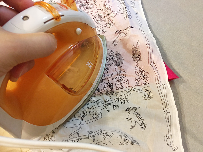【2歳児の寝かしつけに】「いないいないばあっ!」のモウフーの作り方 モウフーの帽子を作る アイロンをかける