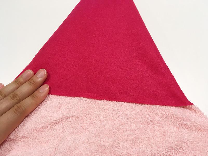 【2歳児の寝かしつけに】「いないいないばあっ!」のモウフーの作り方 モウフーの帽子を作る タオルと接着する