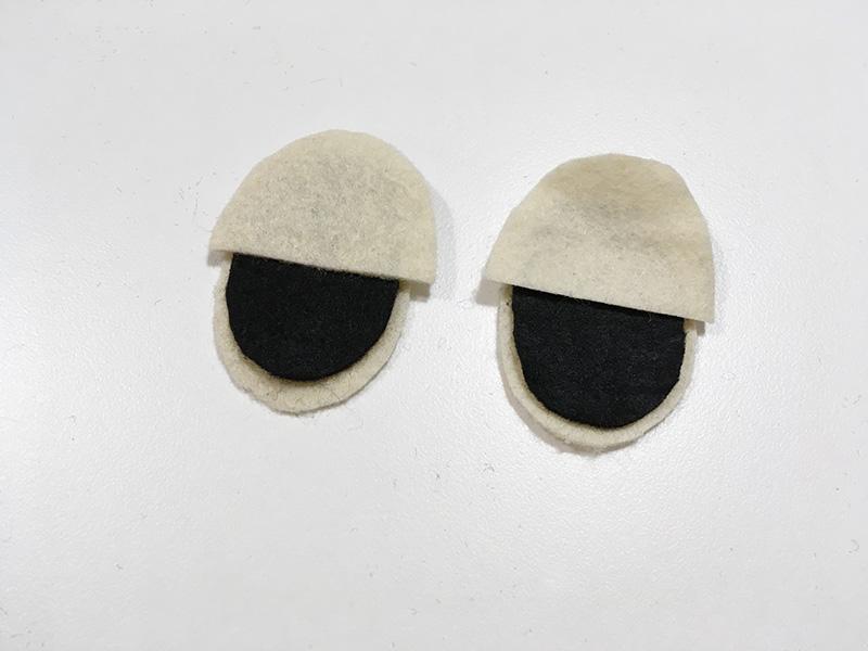 【2歳児の寝かしつけに】「いないいないばあっ!」のモウフーの作り方 モウフーの目を作る フェルトを貼ってまぶたを作る