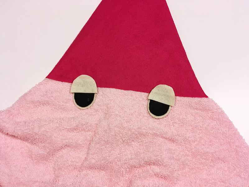 【2歳児の寝かしつけに】「いないいないばあっ!」のモウフーの作り方 モウフーの目を作る 合わせてみる