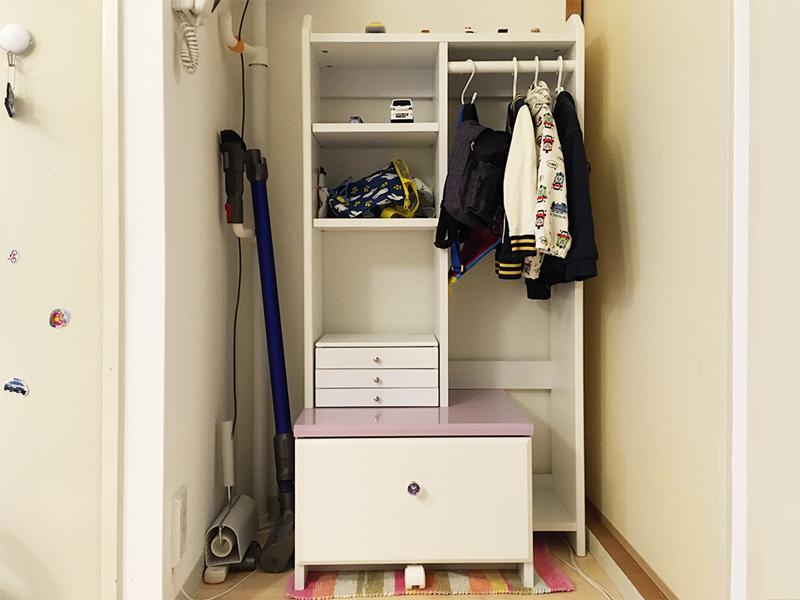 ニトリ公式通販ニトリネット『ハンガーラック(ルミエN PU/WH)』『アクセサリーボックス SOFIA2-1(3段)』2歳男子専用としてわが家に設置しました