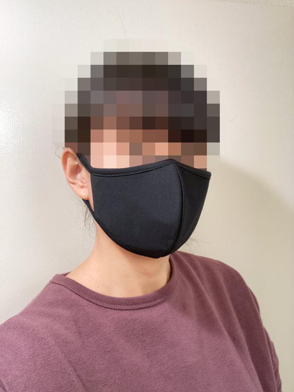 【マスク比較レビュー】GUの高機能フィルター入りマスク ブラックL 着画