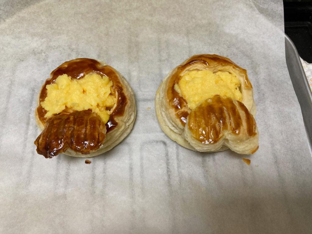 ダイソー購入品 製菓用品レシピ付き 世界のおやつ フランス「ポワソン・ダブリル」パイの作り方 焼きあがったパイにカスタードクリームを入れる